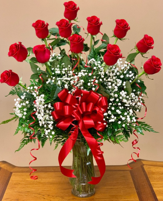 12 red roses bouquet, valentine's day